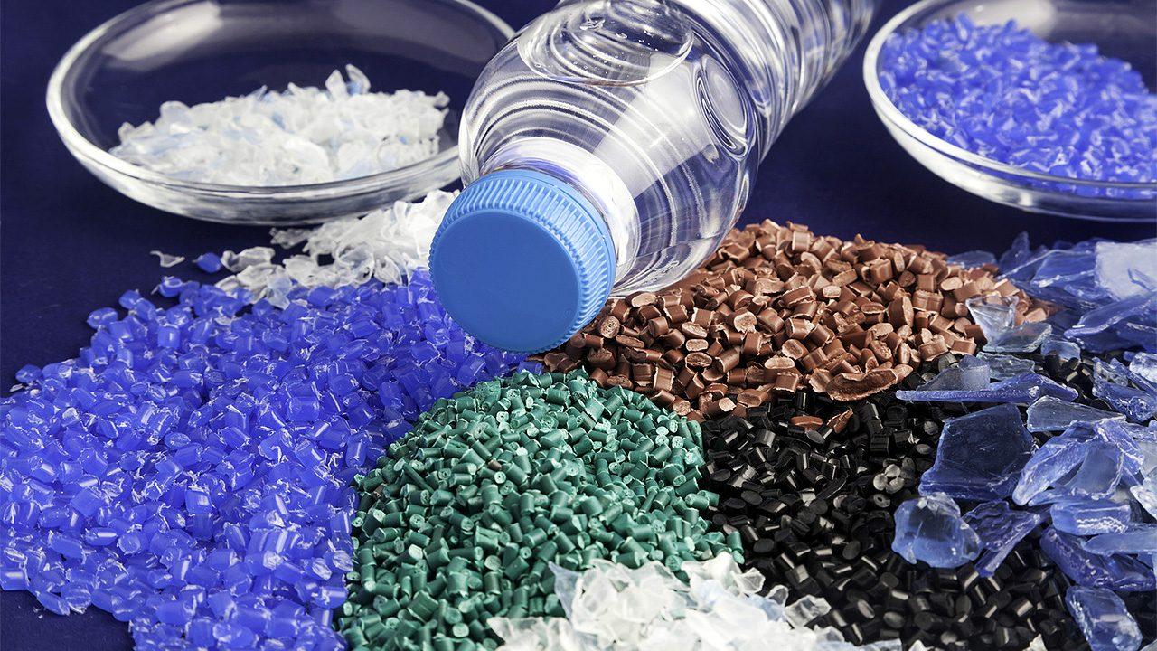 plastic-granules-and-bottle-1280×720